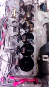 vu laterales du bas moteur sans pistons